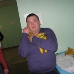 Наркоман Пумба с бананами, кому то не достанется